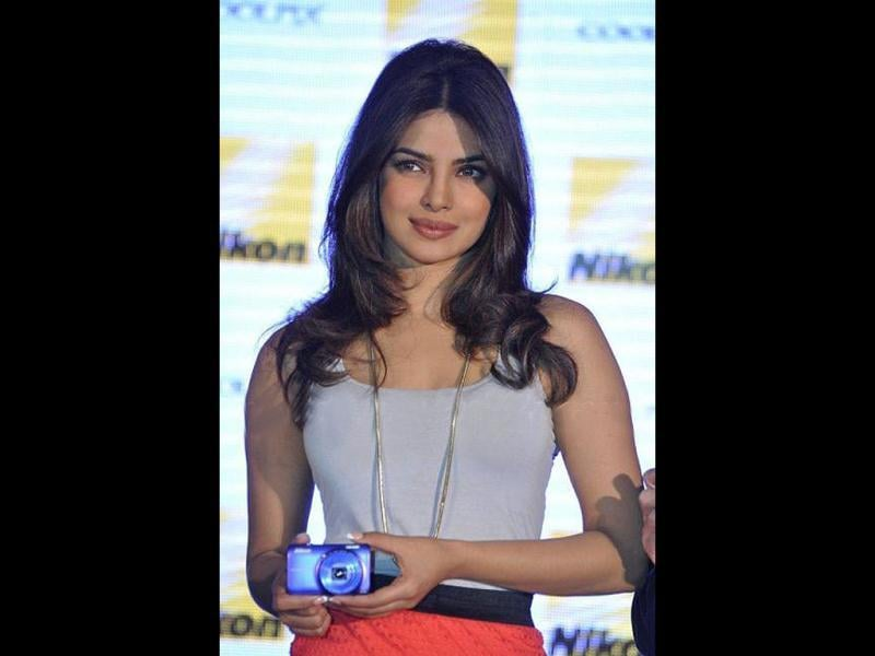 Priyanka Chopra looks citrusy fresh in her latest appearance at a Nikon event. Take a look at the star.