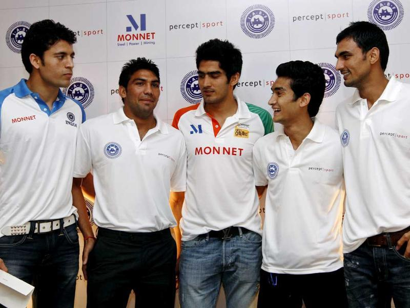 (L to R) Boxers who have qualified for London Olympics Sumit Sangwan, Manoj Kumar, Vijender Singh, Shiva Thapa and Jai Bhagwan attend a felicitation ceremony organised by IABF in New Delhi. HT Photo/Virendra Singh Gosain