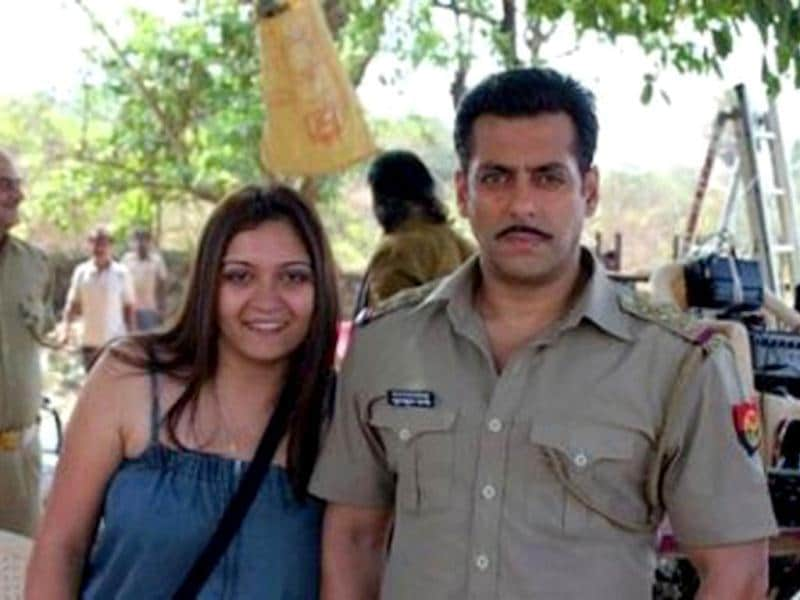 That's Chulbul Pandey posing with a female fan.