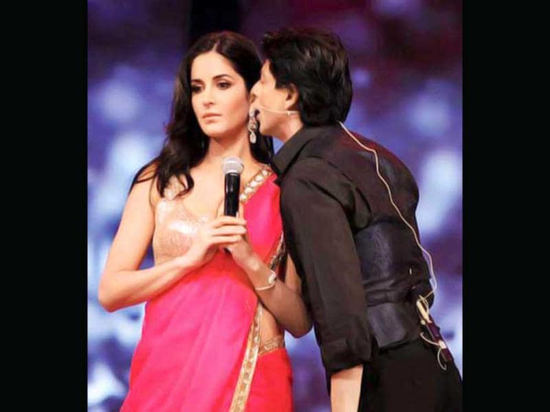 Katrina Kaif looks a little uncomfortable here, what say SRK!