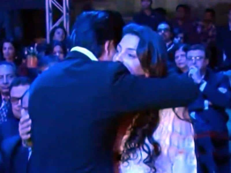 Shah Rukh Khan and Juhi Chawla share an embrace at Filmfare nominations night.