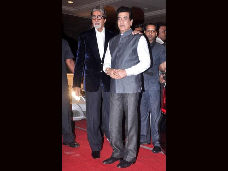 Big B can be seen with Jeetendra.
