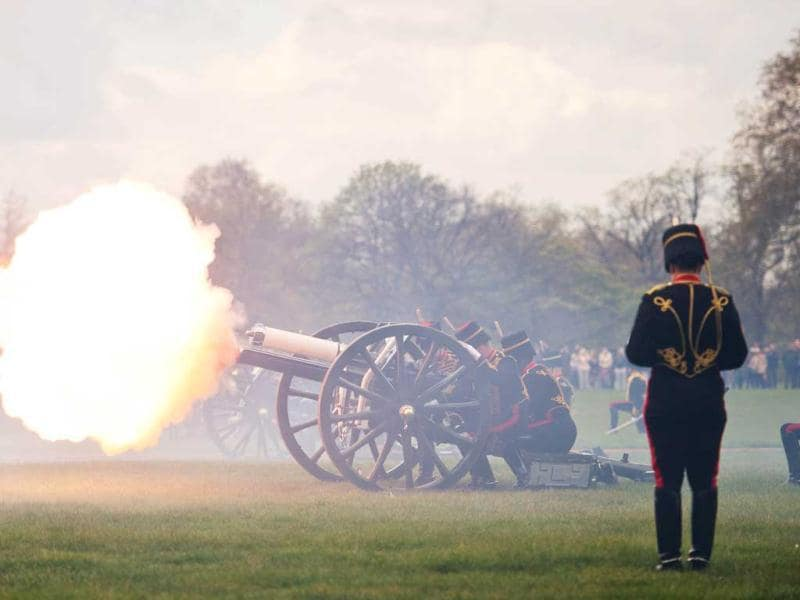 Gun teams from the Kings Troop of the Royal artillery fire a 41 gun salute in London's Hyde Park in honour of her Royal Highness Queen Elizabeth II's 86th birthday in central London. AFP Photo / Leon Neal