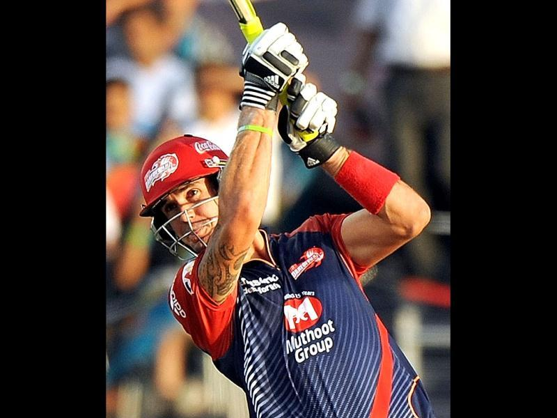 Delhi Daredevils batsman Kevin Pietersen plays a shot during the IPL Twenty20 cricket match between Pune Warriors India and Delhi Daredevils at The Sahara Stadium in Pune. (AFP Photo/Punit Paranjpe)