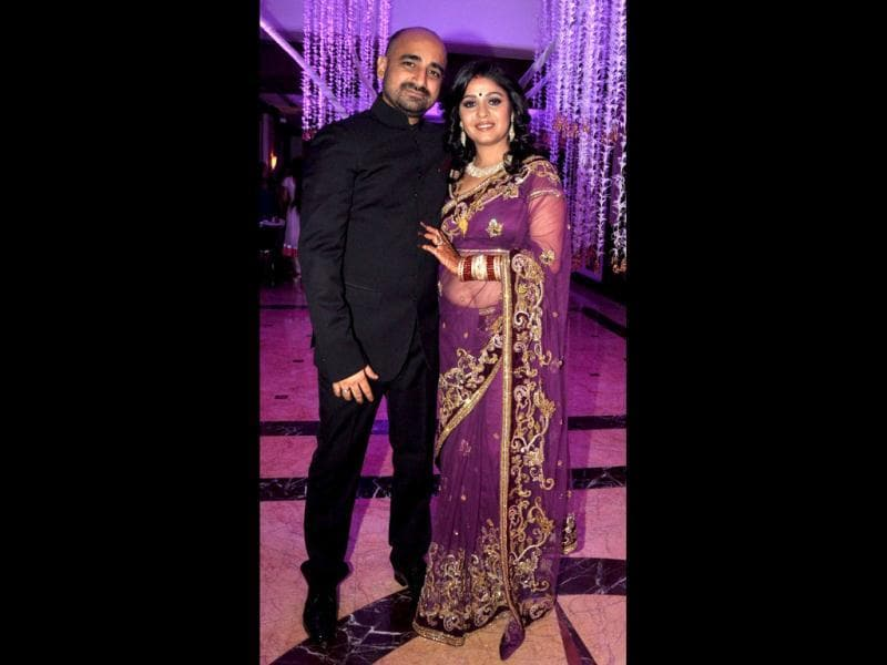 Bollywood playback singer Sunidhi Chauhan tied the knot with musician Hitesh Sonik in Mumbai on April 26. (AFP Photo)