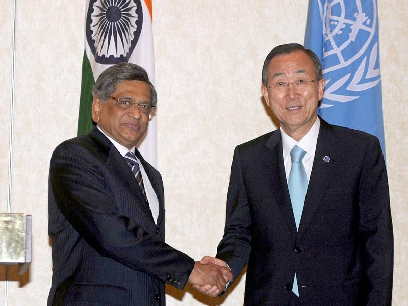 Ban shakes hands with minister for external affairs SM Krishna during a meeting in New Delhi. AFP/Raveendran