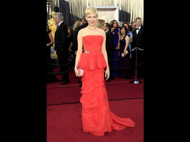 Michelle Williams may not be the best looking Hollywood actress but she sure more than makes up with her dressing sense.