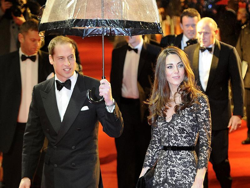 Britain's Prince William (L) arrives with Catherine, Duchess of Cambridge to the UK premiere of the film 'War Horse' in London. (Reuters/Paul Hackett)