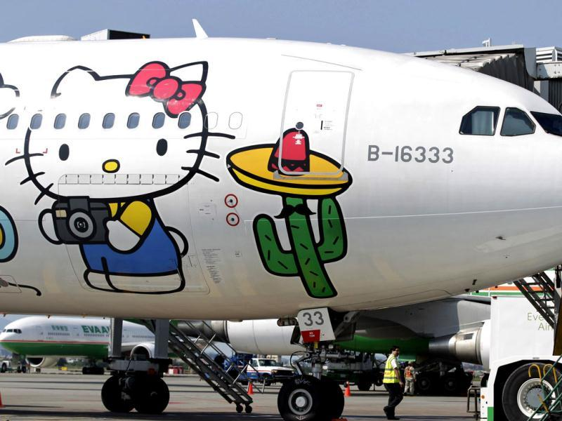 An Airbus A330-300 aircraft of Taiwan's Eva Airlines is seen with a Hello Kitty motif in Taoyuan International Airport, northern Taiwan. Reuters photo/Pichi Chuang