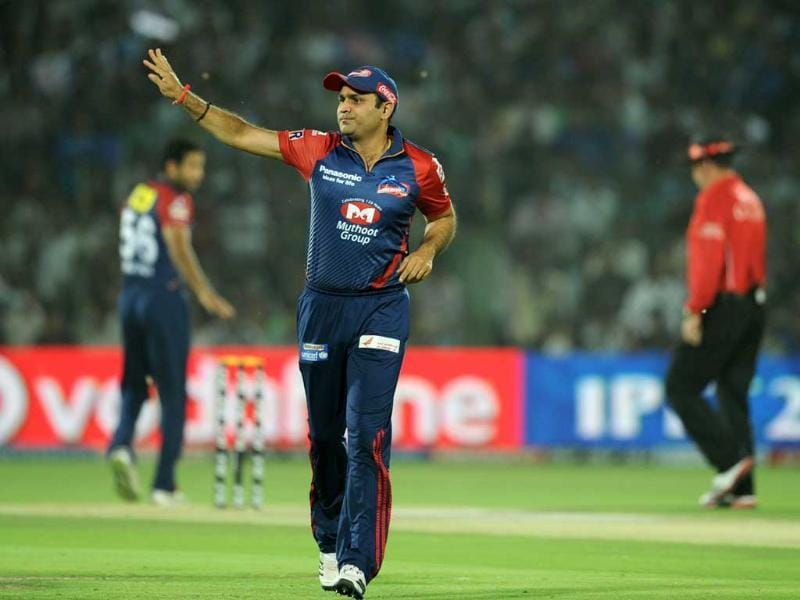 Delhi Daredevils captain Virender Sehwag directs the field during the IPL Twenty20 cricket match against Rajashtan Royals at the Sawai Mansingh stadium in Jaipur. AFP/Sajjad Hussain