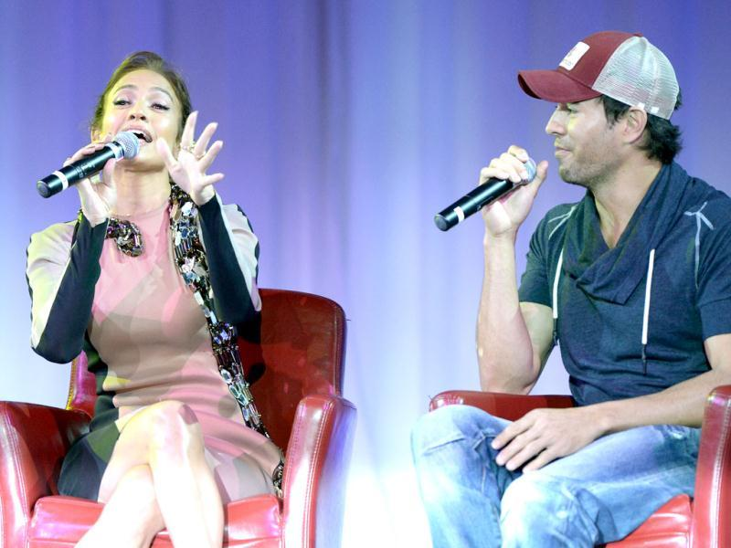 JLo and Enrique shared great chemistry as they gave fans a sneak peek of what they'd offer on tour.