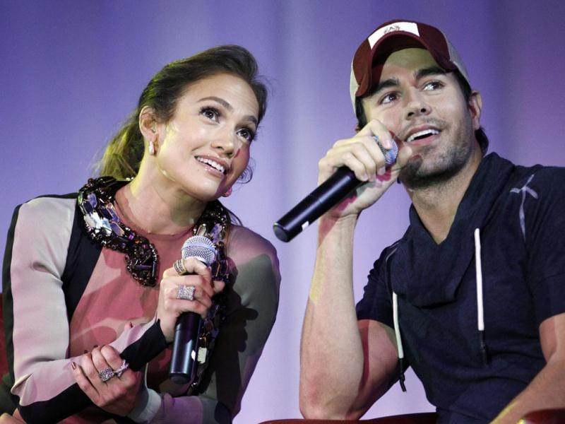 Jennifer Lopez and Enrique Iglesias announced that they will tour together this summer starting July 14.