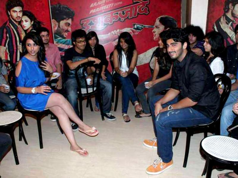 Though they are posing together Arjun Kapoor and Parineeti Chopra are looking away from each other.