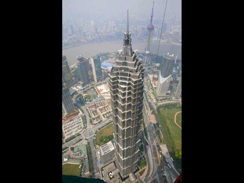 Shanghai's Jinmao Tower is the tenth tallest in the world.(Reuters)