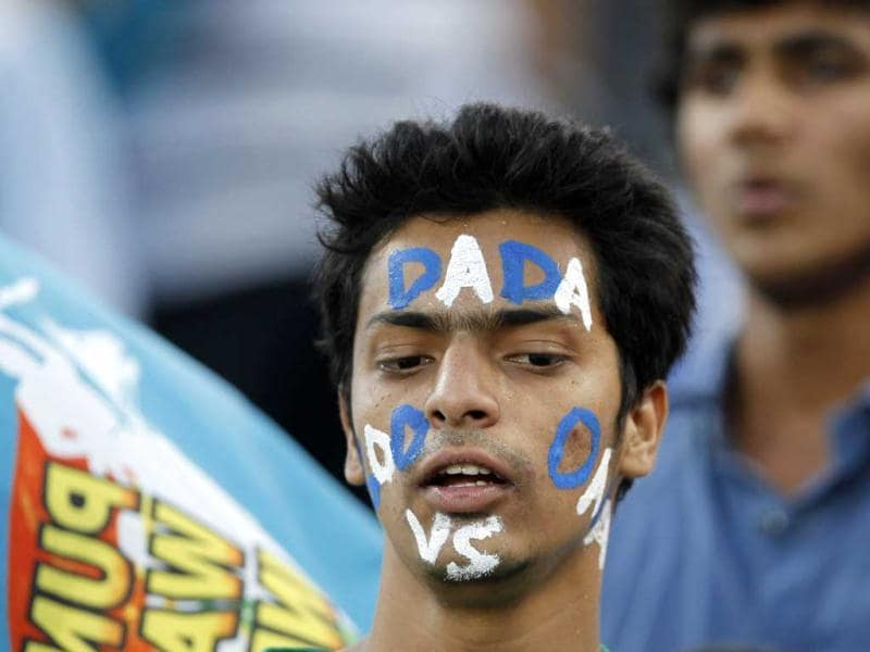 A Pune Warriors fan during IPL5 match between Mumbai Indians vs Pune Warriors Indian in Pune. HT Photo/Vijayanand Gupta