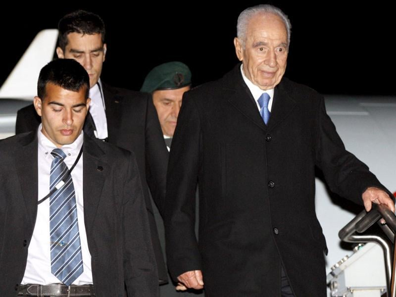 Israeli President Shimon Peres arrives in Ottawa. He is in Canada for his first official state visit. Reuters/Blair Gable
