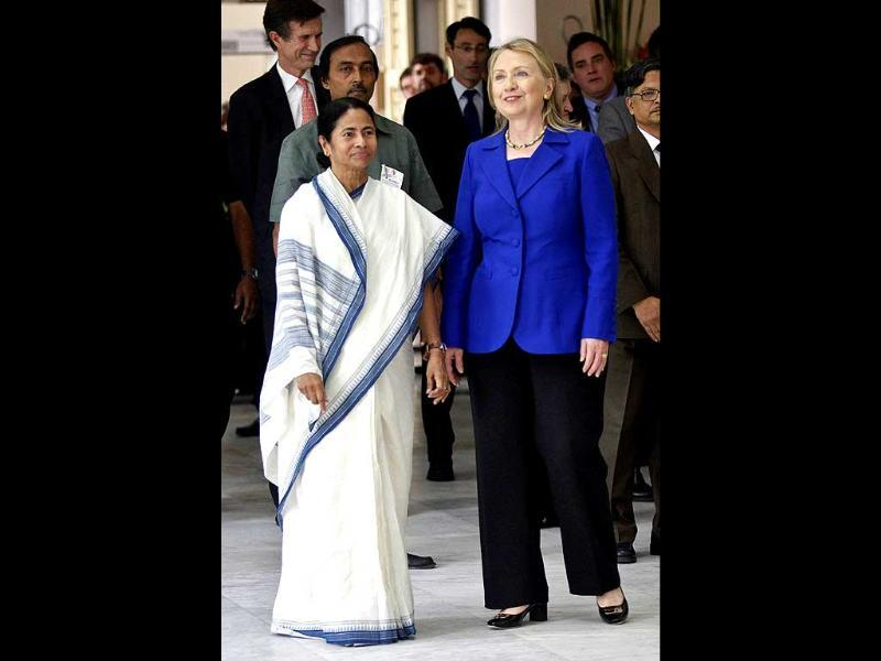 US secretary of state Hillary Clinton arrives for a meeting with Mamata Banerjee, chief minister of West Bengal, in Kolkata. REUTERS/UNI PHOTO-5R