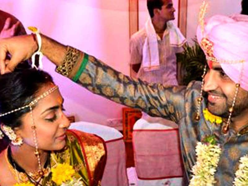 Shveta Salve and Harmeet Sethi during their wedding.