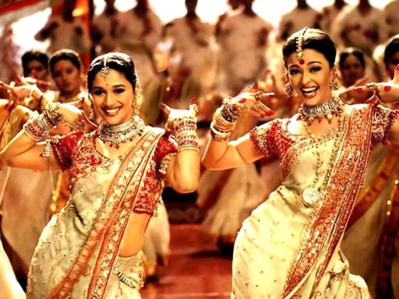 Dola Re: Madhuri Dixit got to display her dancing skills in another song from Devdaas.