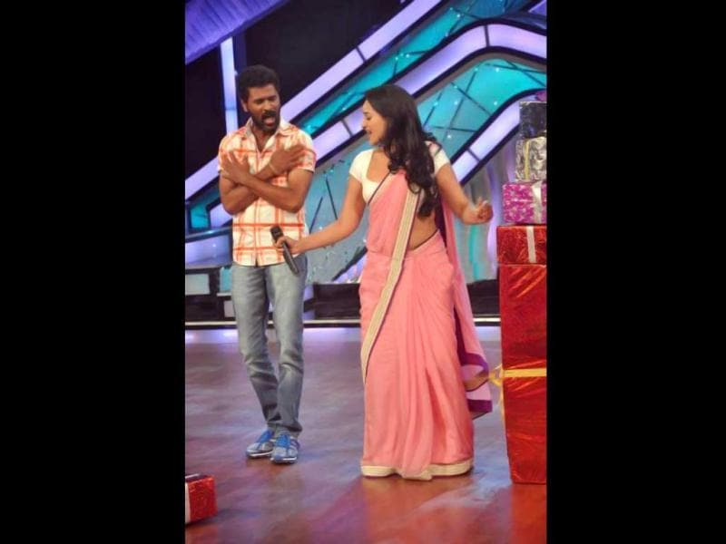 Sonakshi Sinha and Prabhudeva break into dance.