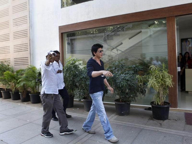 Bollywood actor Shah Rukh Khan at his residence in Mumbai. Shah Rukh Khan faced a police probe and a lifetime ban from Mumbai's main cricket stadium following a late-night row with staff at the ground. HT Photo/Sattish Bate