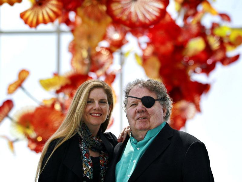 Dale, right, and Leslie Chihuly pose in the
