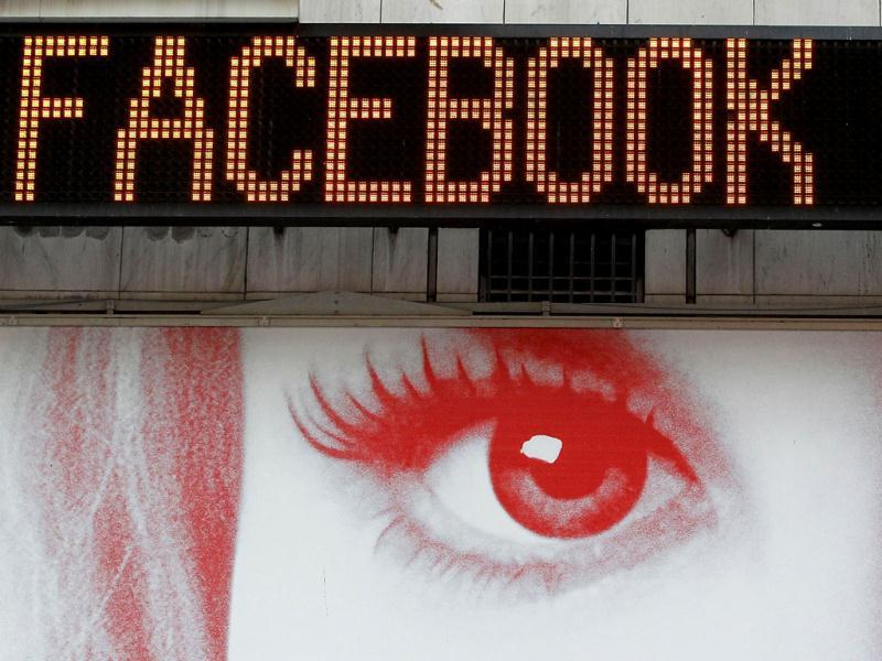 Is Facebook allowing dissemination of child pornography? AFP/Justin Sullivan