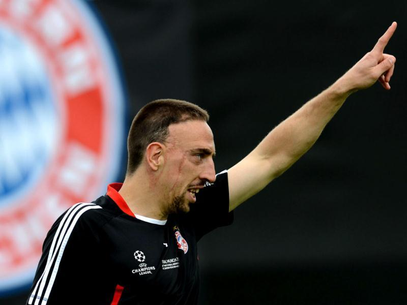 Bayern Munich's French midfielder Franck Ribery takes part in a training session of Bayern Munich on the eve of the UEFA Champions League final football match FC Bayern Muenchen vs Chelsea FC in Munich, southern Germany. (AFP Photo)