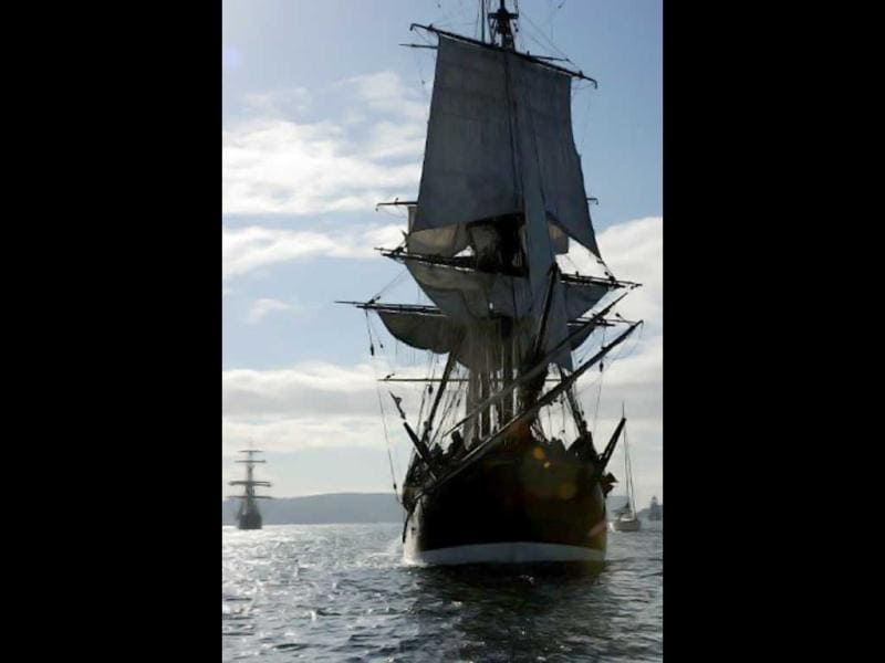 The Endeavour replica ship sails into Sydney Harbour on May 21, 2012. had just completed a 13-month 13,300 nautical mile circumnavigation of Australia. AFP/Greg Wood
