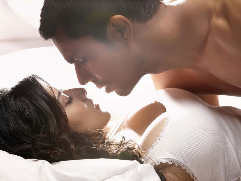 Sunny Leone and Randeep Hooda get steamy for Jism 2.