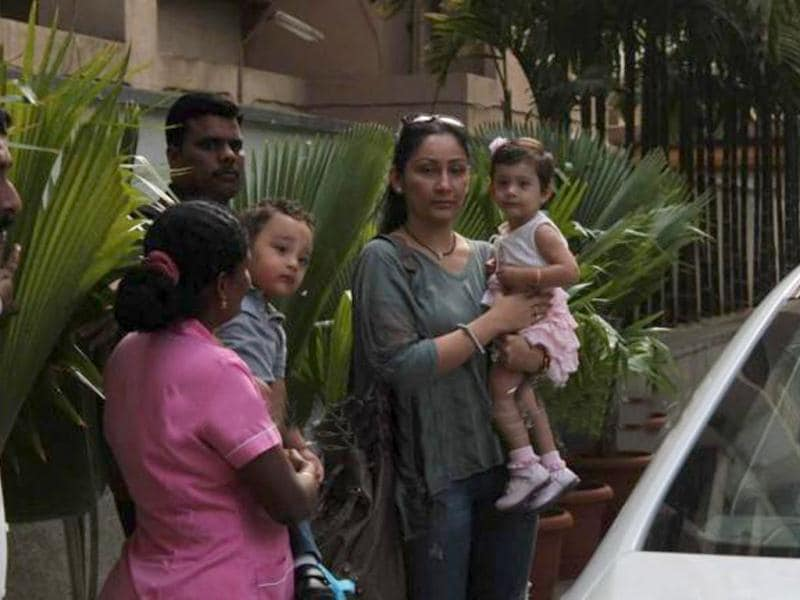 Sanjay Dutt's wife Manyata with their adorable twins.