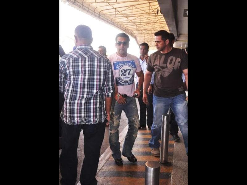 Salman Khan teams up a Being Human tee with a pair of jeans.