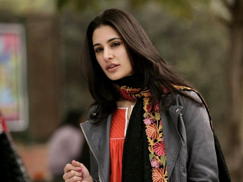 There is no doubt Nargis Fakhri is a flawless beauty, but her debut in Rockstar wasn't impressive at all.