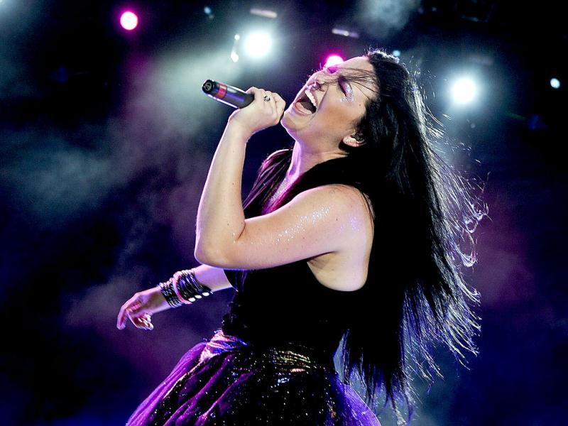 Evanescence's American lead singer and pianist, Amy Lee, performs on the main stage of the Rock in Rio Lisboa music festival at Bela Vista Park in Lisbon. (AFP Photo)