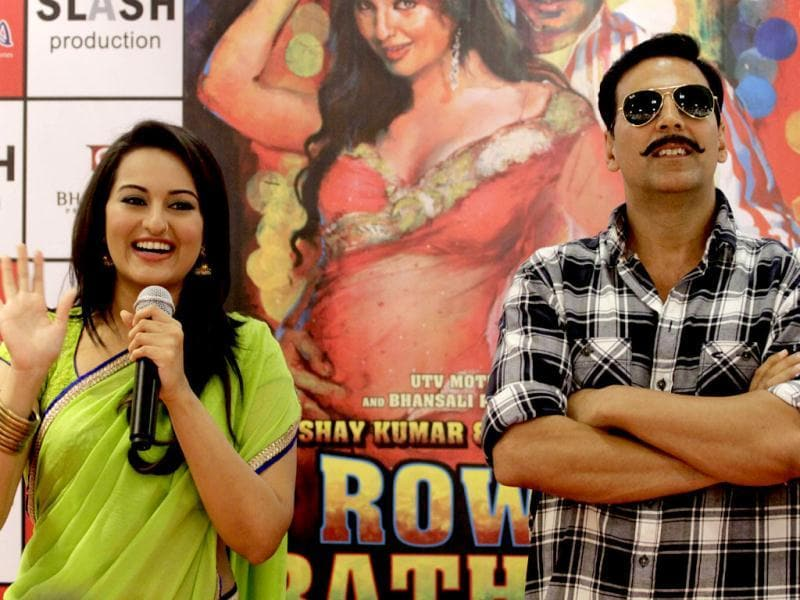 Sonakshi Sinha and Akshay Kumar have been promoting in their look from the film.