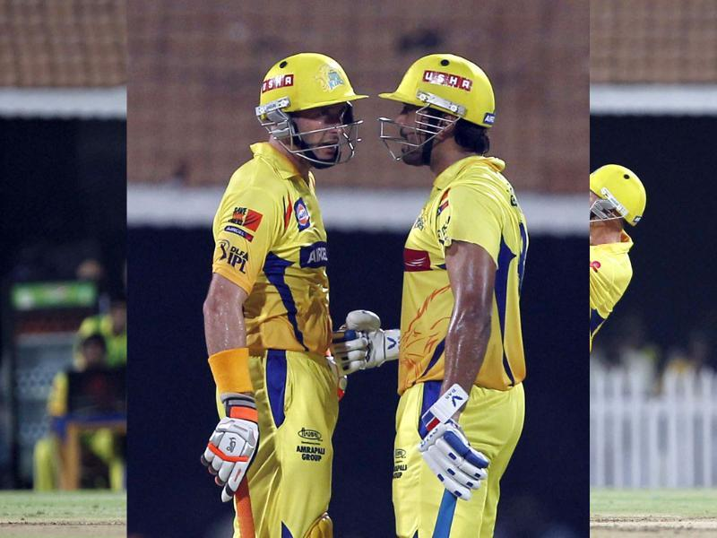 Chennai Super Kings batsmen Michael Hussey and Murali Vijay bat during the IPL final match between Kolkata Knight Riders and Chennai Super Kings at MA Chidambaram stadium in Chennai. (Photo by Santosh Harhare / Hindustan Times)