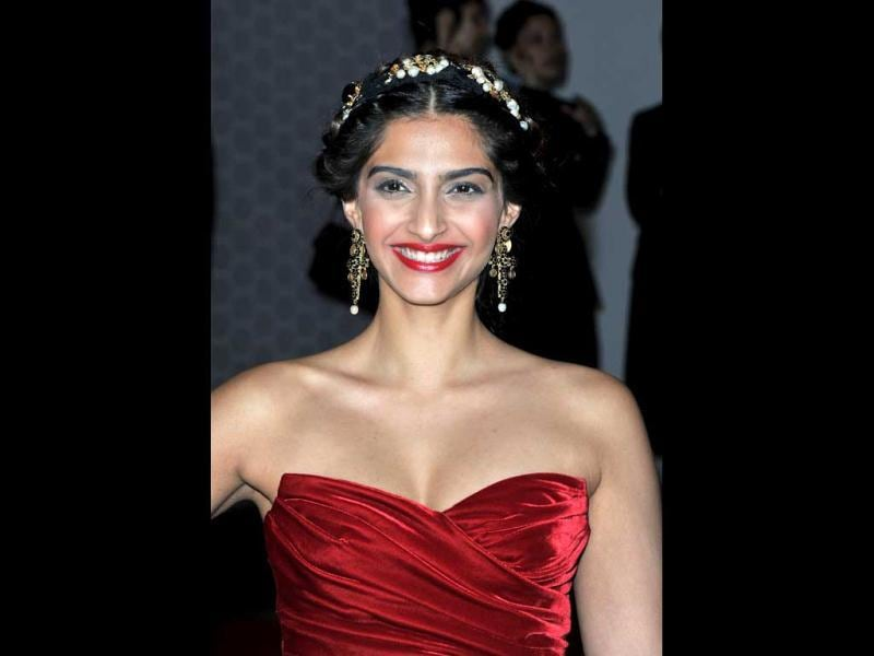 Sonam's strapless Dolce & Gabbana dress which she wore recently at Cannes is red hot.