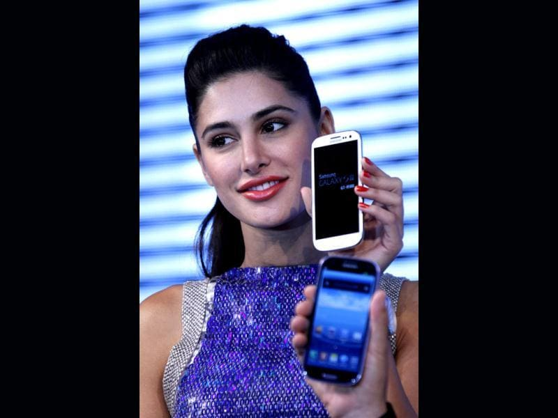 Nargis Fakhri smiles during the event.