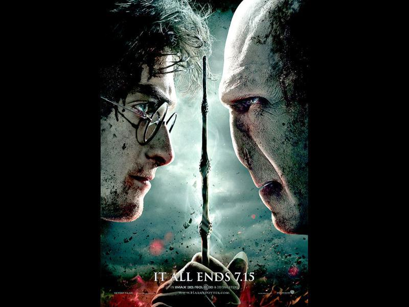 Harry Potter and the Deathly Hallows - Part 2: This 2011 epic fantasy film based on the novel Harry Potter and the Deathly Hallows by JK Rowling claimed the worldwide opening weekend record, earning $483.2 million.