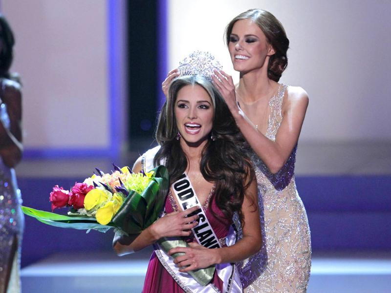 Miss Rhode Island Olivia Culpo (C) reacts as she is crowned by Miss USA 2011 Alyssa Campanella during the Miss USA pageant at the Planet Hollywood Resort & Casino in Las Vegas, Nevada. Reuters/Steve Marcus