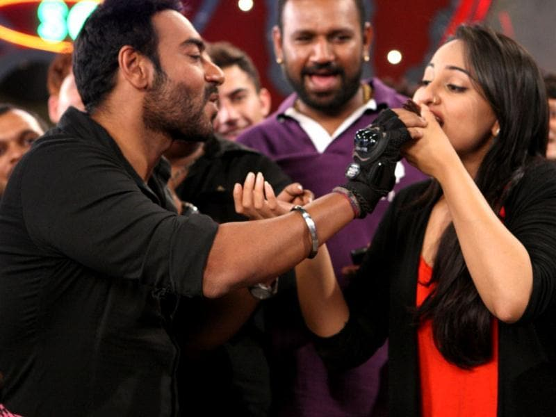 Ajay Devgn celebrates his co-star Sonakshi Sinha's birthday on the sets of their upcoming film Son of Sardar.