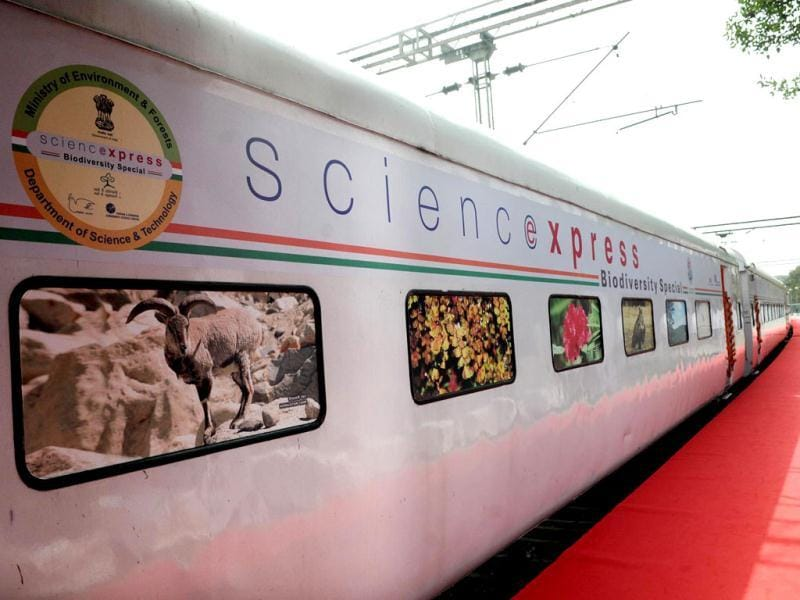 Delhi chief minister Sheila Dikshit and minister of state for environment and forests Jayanthi Natarajan flag off Science Express, a special train, on the occasion of World Environment Day in New Delhi. UNI