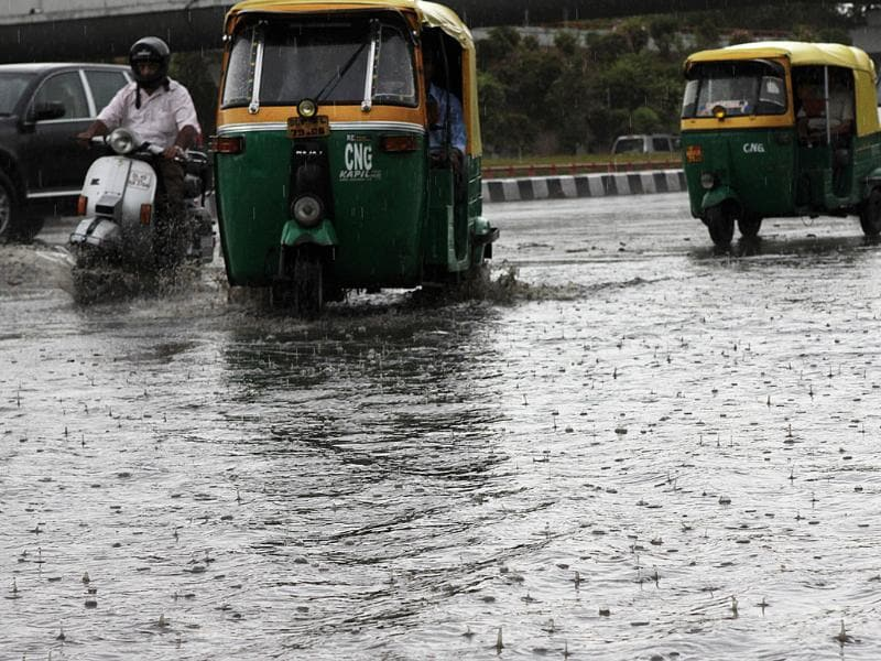 Waterlogging after a short spell of rain in New Delhi. (HT Photo/Sunil Saxena)