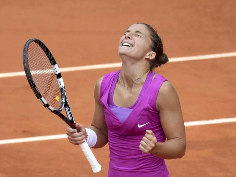 Sara Errani of Italy celebrates after winning her women's semi-final match against Samantha Stosur of Australia at the French Open tennis tournament at the Roland Garros stadium in Paris. Reuters/Francois Lenoir