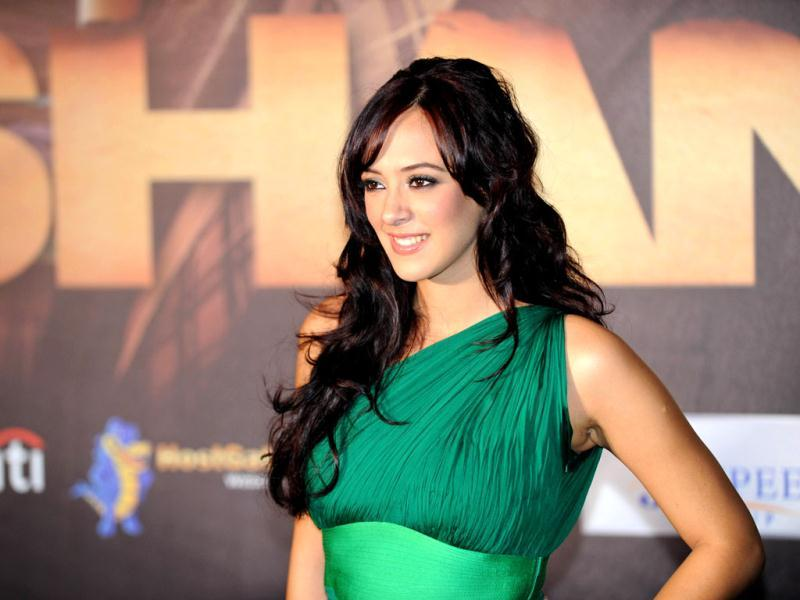 Film actress and model Hazel Keech seen in a green dress during the premiere of Shanghai. (AFP photo)