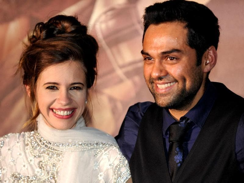 Bollywood actors Kalki Koechlin and Abhay Deol posing for photographers on the green carpet for the International Indian Film Academy (IIFA) World Premier, Shanghai. (AFP photo)