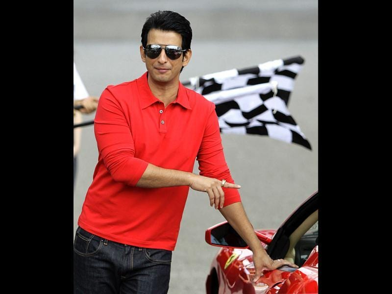 Sharman Joshi is making his debut as a lead actor with Ferrari Ki Sawaari.