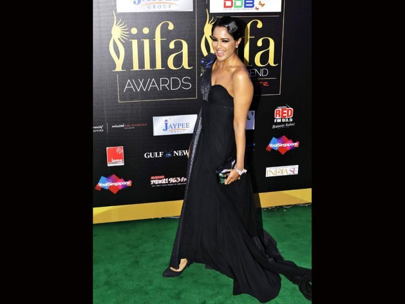 Sameera Reddy dons a bold black gown for the IIFa night.