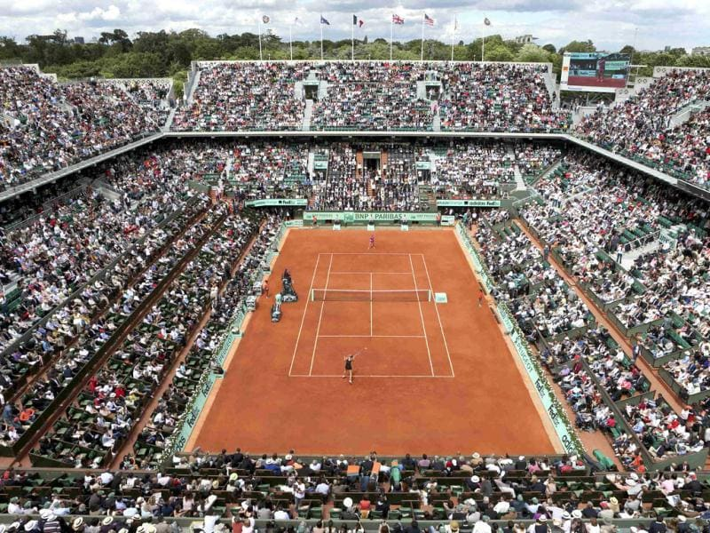 General view of the Philippe Chatrier court during the women's singles final match between Maria Sharapova of Russia and Sara Errani of Italy during the French Open tennis tournament at the Roland Garros stadium in Paris. Reuters/Nir Elias
