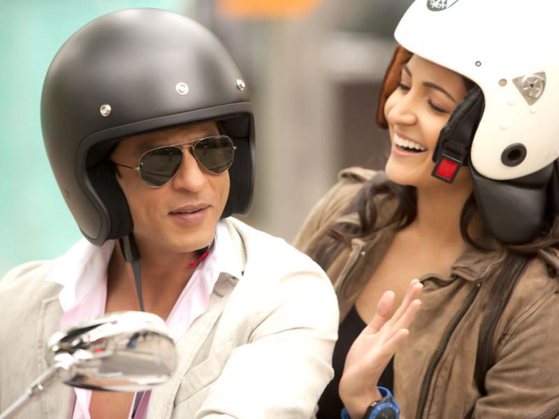 SRK-Anushka look cute together.